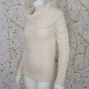 GAP Cowlneck white wool sweater size Medium